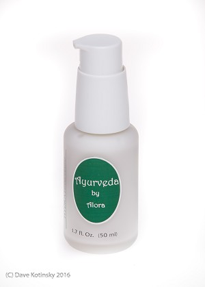 OIL-FREE HYDRATING FLUID